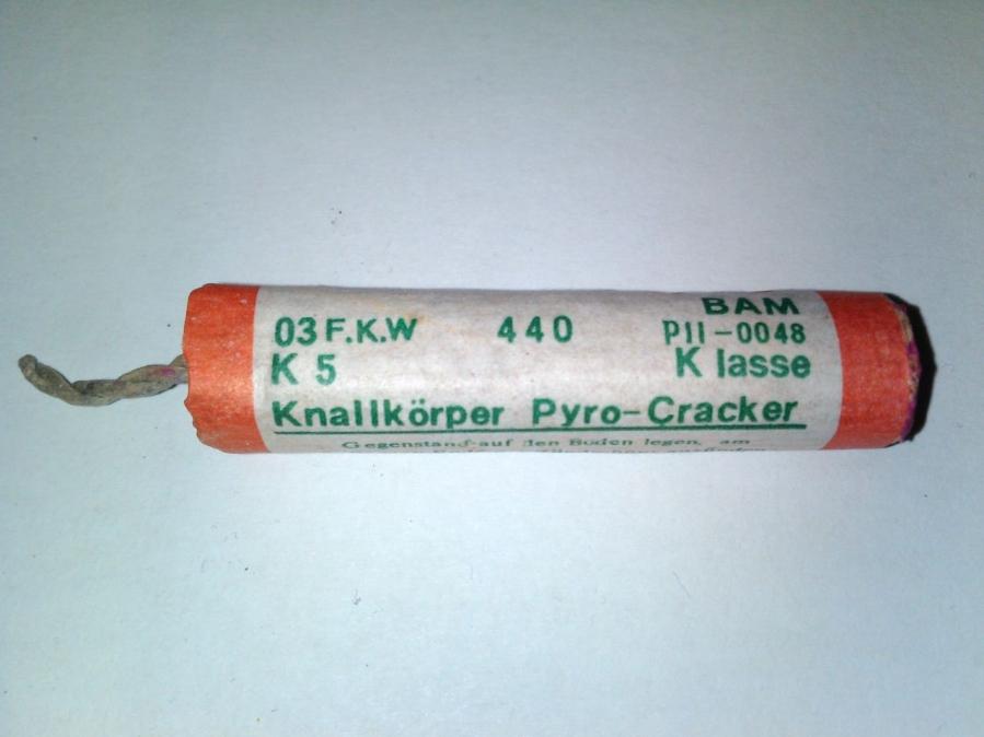 FKW Keller Pyro Cracker Rote Ringe